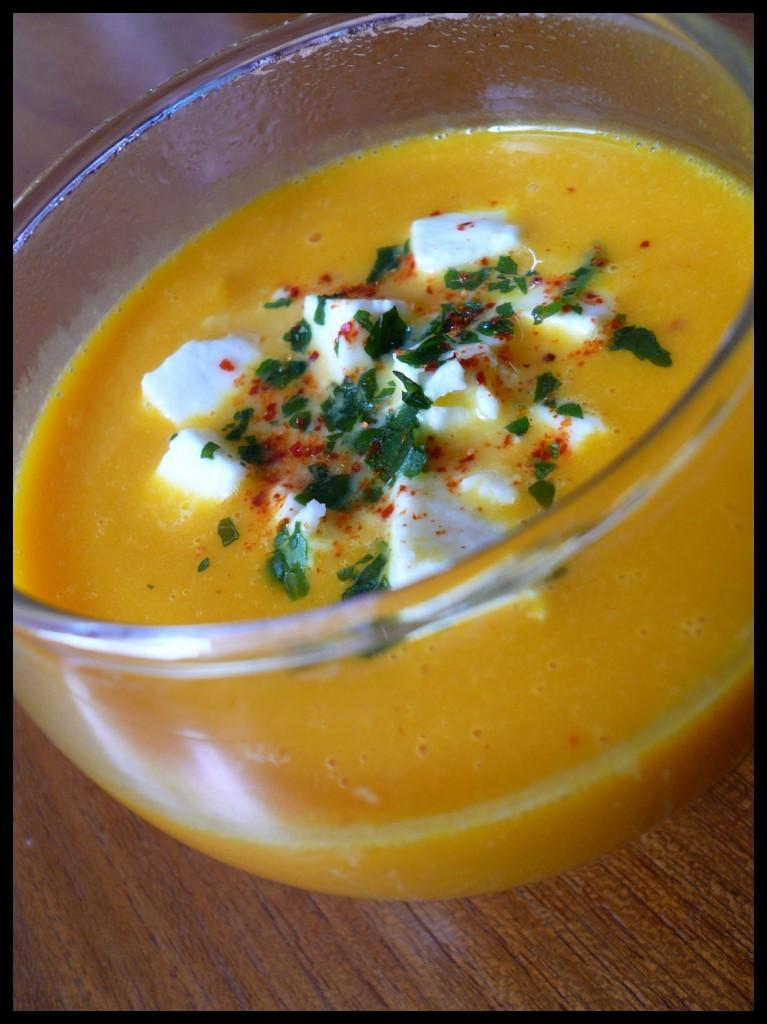 Soupe de potiron au miel et la feta - Soupe potiron cocotte minute ...
