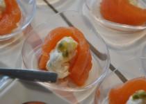 Bouchées saumon fumé, ricotta, mangue et passion