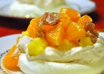 Pavlova aux clémentines, ananas et marrons